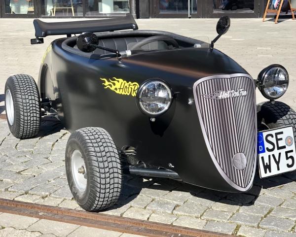 Wenckstern Hot Rod Roadster Schwarz Matt 7949 km